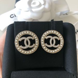 Chanel White Pearl CC Logo Round Big Earrings
